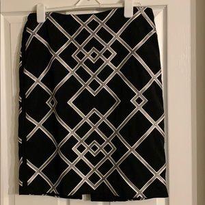 Black geometric print skirt